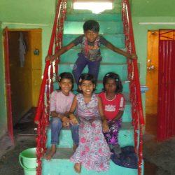 Los niños en el patio